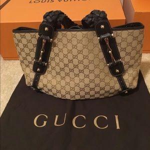 SOLD!! Authentic Gucci Purse